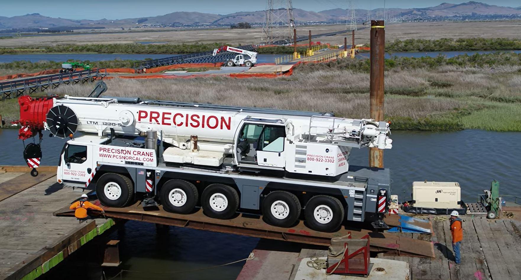 ltm-1220-on-barge-3